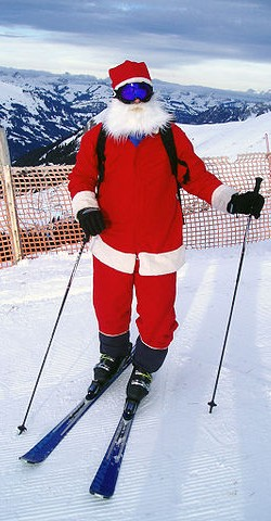 360px-Santa_Clause_is_skiing_in_Adelboden