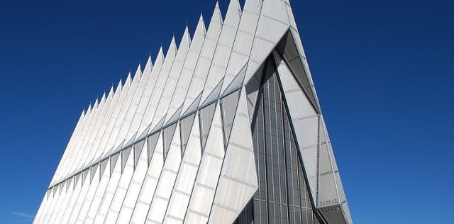 800px-US_Air_Force_Academy_Chapel